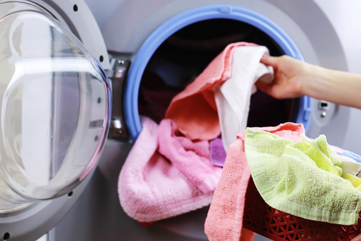 9cdc2c3a8db9 Η παράδοση και η εγκατάσταση του πλυντηρίου ρούχων θα γίνει την ίδια στιγμή  από το εξειδικευμένο πλήρωμα διανομής, ώστε να γλιτώσεις χρόνο και η  συσκευή σου ...